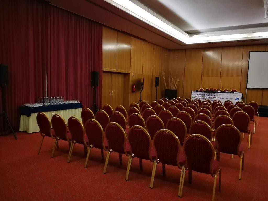 7CN - Sala preparada para o início do evento