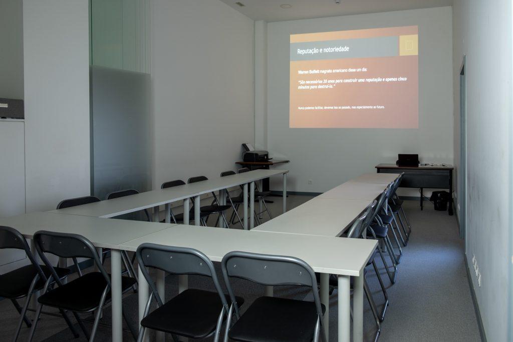 Sala de Formação preparada em U